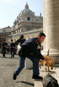 ITALIAN POLICE USE DOG TO SEARCH ST. PETER'S SQUARE