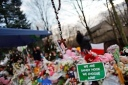 ROSARY HANGS OVR MEMORIAL TO VICTIMS OF NEWTOWN TRAGEDY