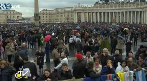 Disappointed pilgrims in St. Peter's Square after black smoke. (CTV screenshot)