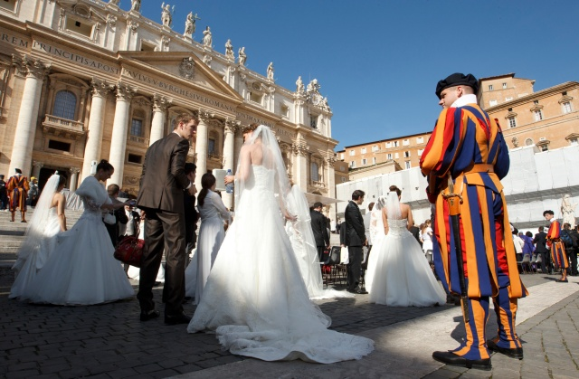 NEWLY MARRIED COUPLES ATTEND POPE'S GENERAL AUDIENCE AT VATICAN
