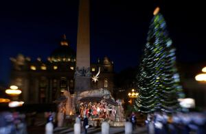 The scene in St. Peter's Square Christmas Eve just before Mass began. (CNS/Paul Haring)
