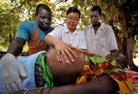SISTER TEACHES LOCAL MEN TO PROVIDE MATERNAL CARE IN SOUTH SUDAN