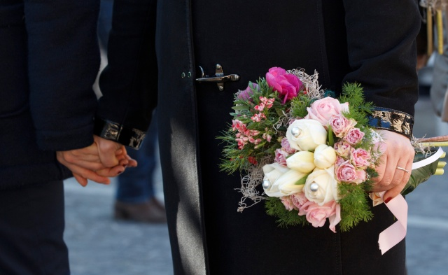 Engaged couple holds hands before special Mass honoring St. Valentine in Terni, Italy