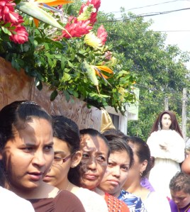 Women stand in line for Good Friday services  Soyapango, El Salvador. (CNS photo/Rhina Guidos)