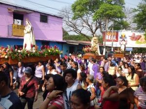 Good Friday crowd in Soyapango, El Salvador. (CNS photo/Rhina Guidos)
