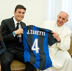 Javier Zanetti with Pope Francis in April 2013. (CNS/L'Osservatore Romano)