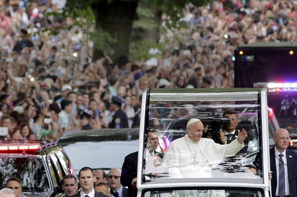 Pope Francis rides in a motorcade in New York's Central Park Sept. 25. (CNS photo/Richard Drew, pool)